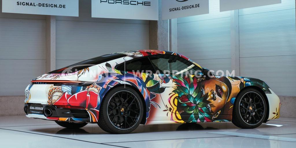 Porsche 992 im Blumen-Design